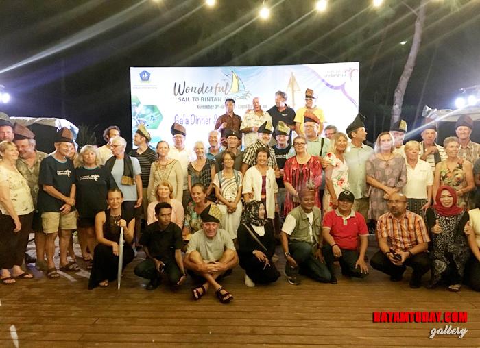 Seluruh peserta Sail To Bintan 2018 saat foto bersama