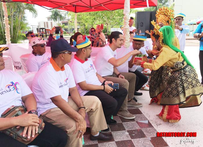 Tari persembahan dalam rangkaian acara Sail to Bintan
