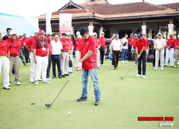 Kepala BP Batam Lukita Dinarsyah Tuwo saat membuka langsung acara Golf Turnament Adventures
