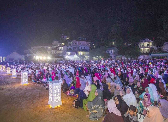 Masyarakat sangat antusias menghadiri tabligh akbar Ustadz Abdul Somad di Lapangan Sulaiman Abdullah