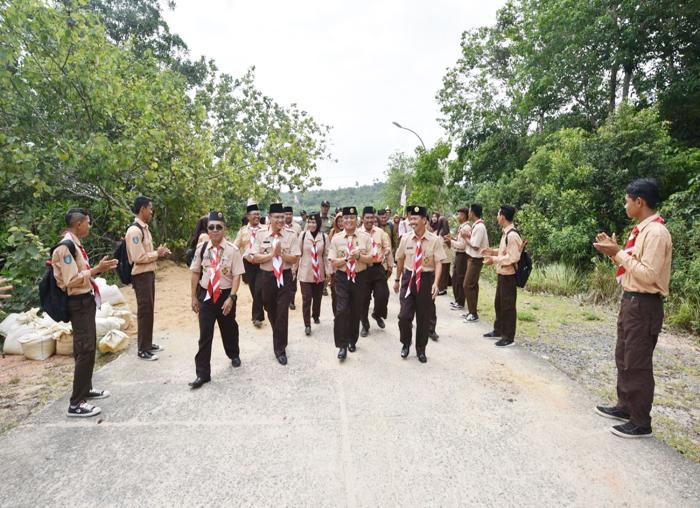 Kuwarcab Kabupaten Bintan Dalmasri Syam saat tiba di Kecamatan Mantang