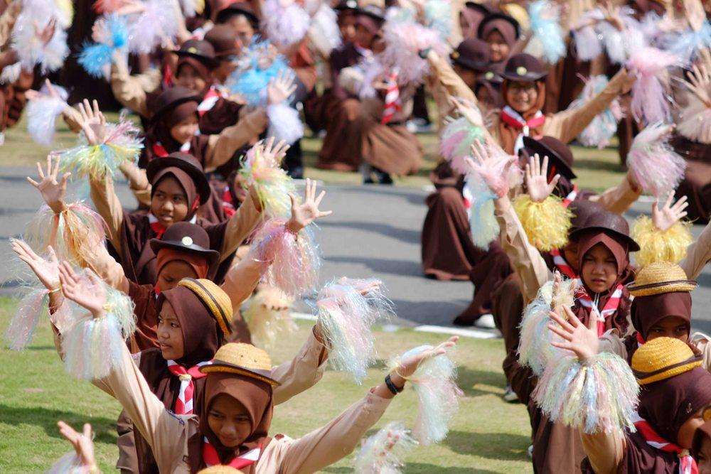 Atraksi Tari Massal Persembahkan anak-anak Pramuka peserta upacara HUT Parumka tingkat Provinsi Kepri 2017