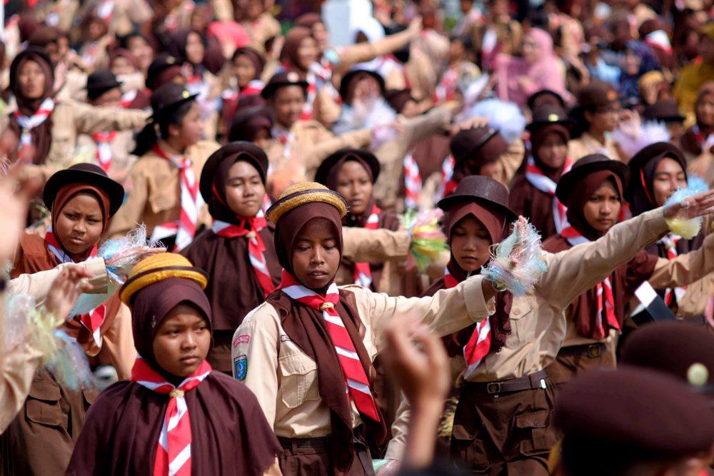 Usai Upacara, para tamu undangan dihibur dengan atraksi Tari massal bertema Tari Anak Kepri yang diikuti 400 peserta