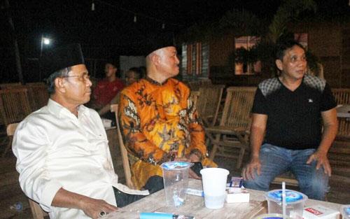 Ketua LAM Bintan Saleh Ahmad berbincang dengan Presdir PT. Sun Resort Sunny Sukardi