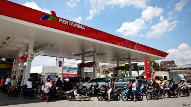 140825103020_indonesia_petrol_640x360_getty.jpg