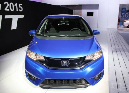 2015-Honda-Fit-at-2014-NAIAS-front-fascia.jpg