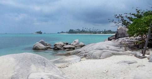 Destinasi-Wisata-Pantai-Trikora-di-Bintan22222.jpg