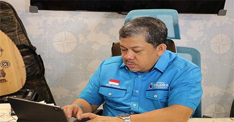 Fahri_Hamzah_b1.jpg