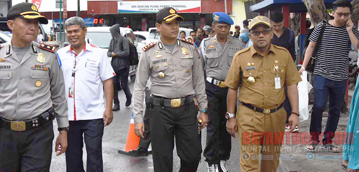 Kapolres-dan-Wali-Kota-Tanjungpinang-tinjau-pos-pengamanan.jpg