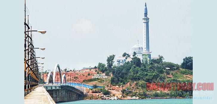 Masjid-Nur-Illahi.jpg
