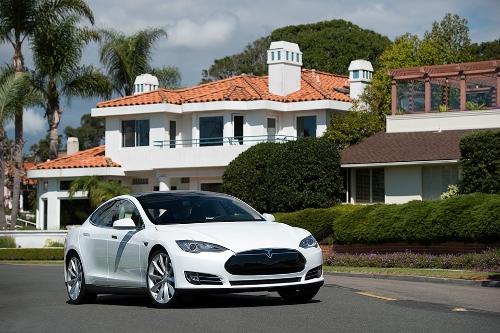 Model-S-White-Tesla-Motors.jpg