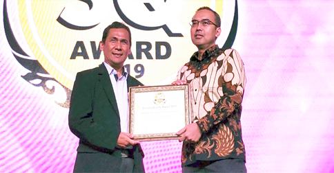 SQ-Award.jpg