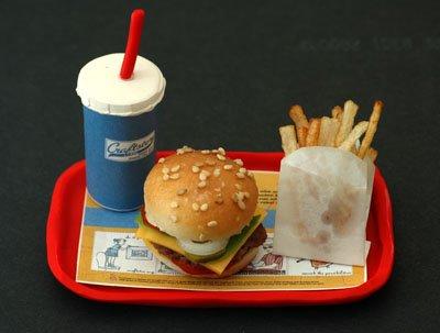 Smallest_Fast_Food_Meal_01.jpg