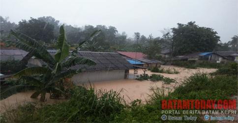 banjir-lagi-ruli.jpg