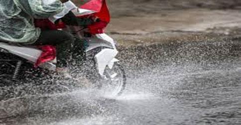 bermotor-hujan1.jpg