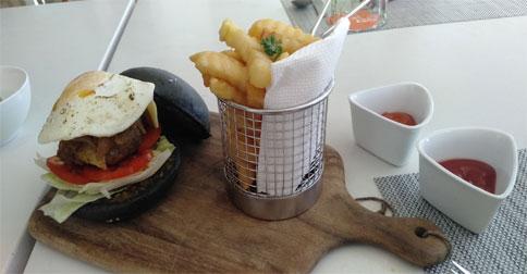 burger-harris-resort1.jpg