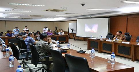 diskusi_transortasi_komite_ii.jpg