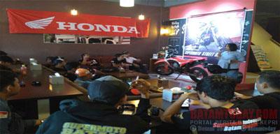 gathering-honda1.jpg