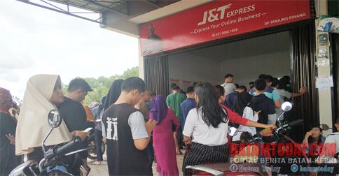Warga Geruduk Kantor J T Ekspress Tanjungpinang