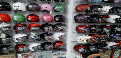 helm-banyak.jpg
