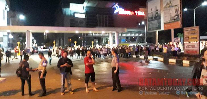 kepolisian-berjada-di-antara-kedua-kubu1.jpg