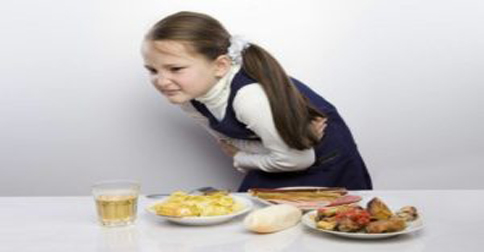 keracunan-makanan-basi-il.jpg