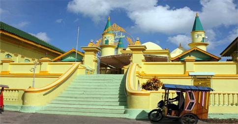 masjid-kuning-penyengat1.jpg