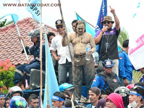 may-day-lumpur-man.jpg