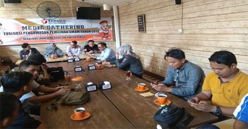 media-gathering-bawaslu1.jpg