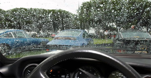 mobil-hujan1.jpg