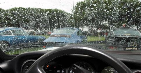 mobil-hujan12.jpg