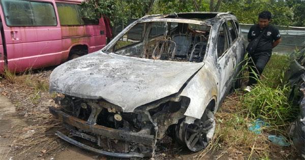 mobil-terbakar11.jpg