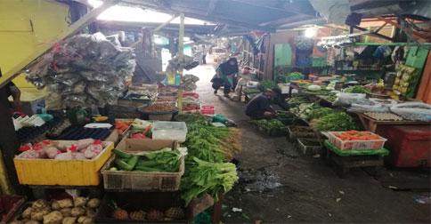 pasar-tradisional-tarempa1.jpg