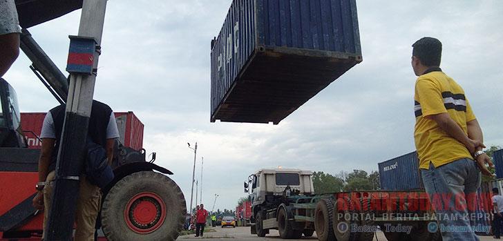 pengangkutan-kontainer.jpg