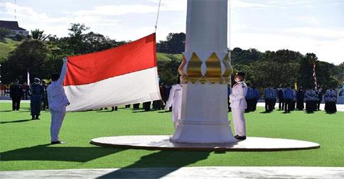 pengibaran-bendera11.jpg