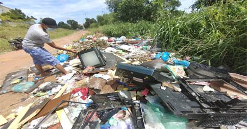 sampah-elektronik2.jpg