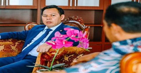 sultan_bahtoar_oke2b.jpg
