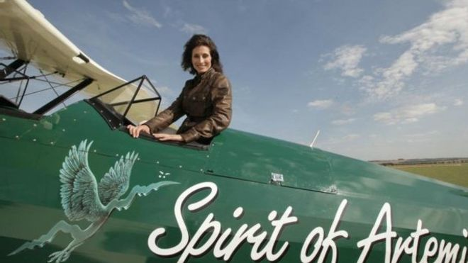 tracey_pilot_by_bbc.jpg