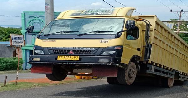 truk-jumping1.jpg