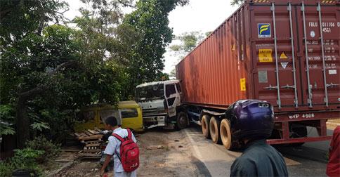 truk-kontainer1.jpg